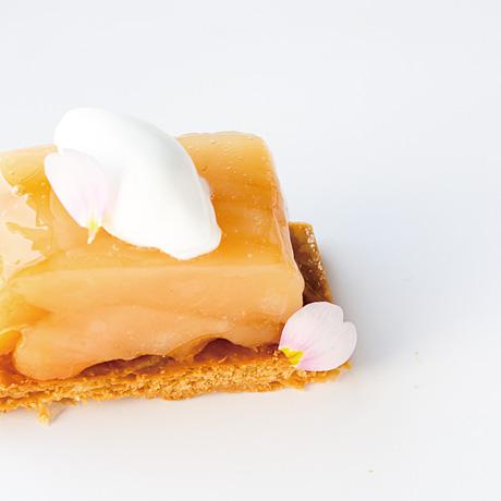 白桃のタルトタタン